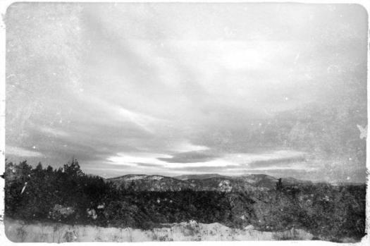 bw-snow-clouds-wp1
